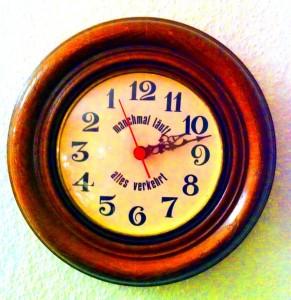 Die Uhr läuft verkehrt